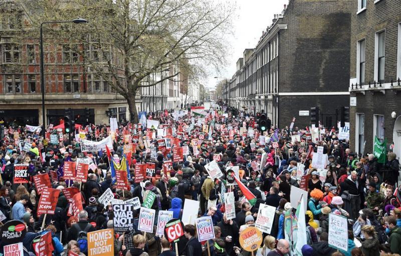 Massaal protest in Londen tegen bezuinigingen