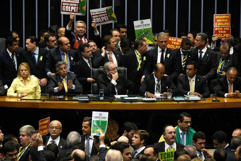 Parlement stemt voor afzetting Rousseff