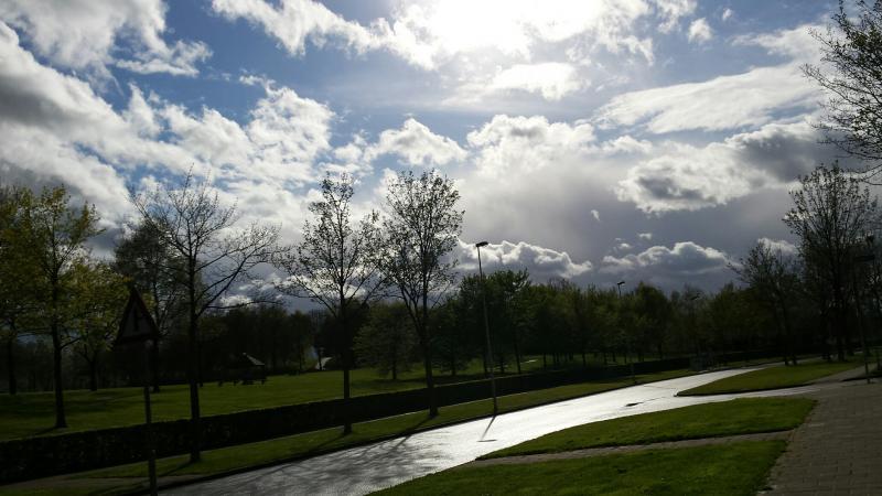 dreigende luchten boven Heerlen (Foto: Luuntje)