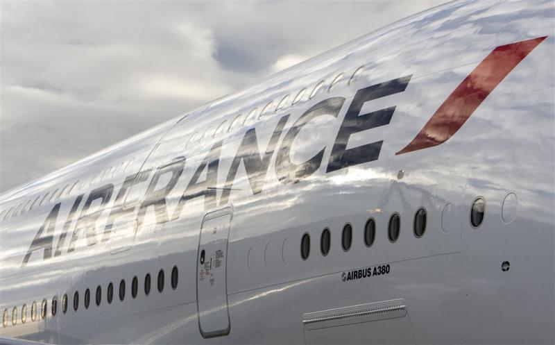 Botsing vliegtuigen op vliegveld Parijs
