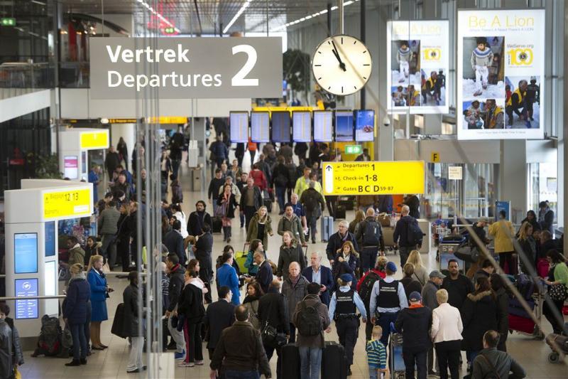 Beveiligers Schiphol gaan actie voeren