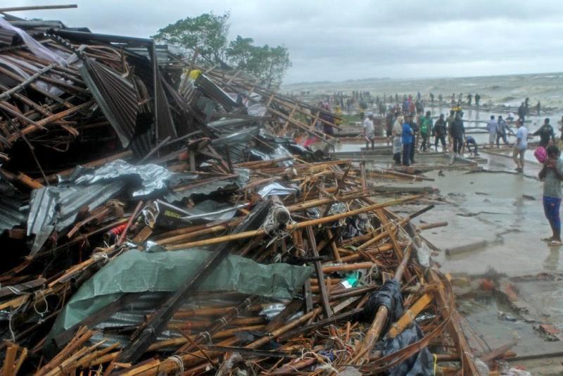 Tientallen doden in Bangladesh door cycloon