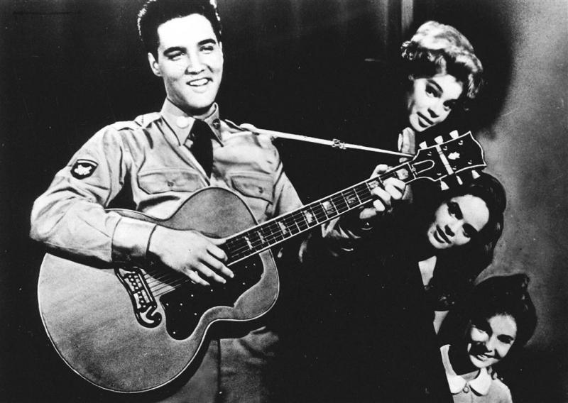 Gitaar van Elvis Presley levert tonnen op