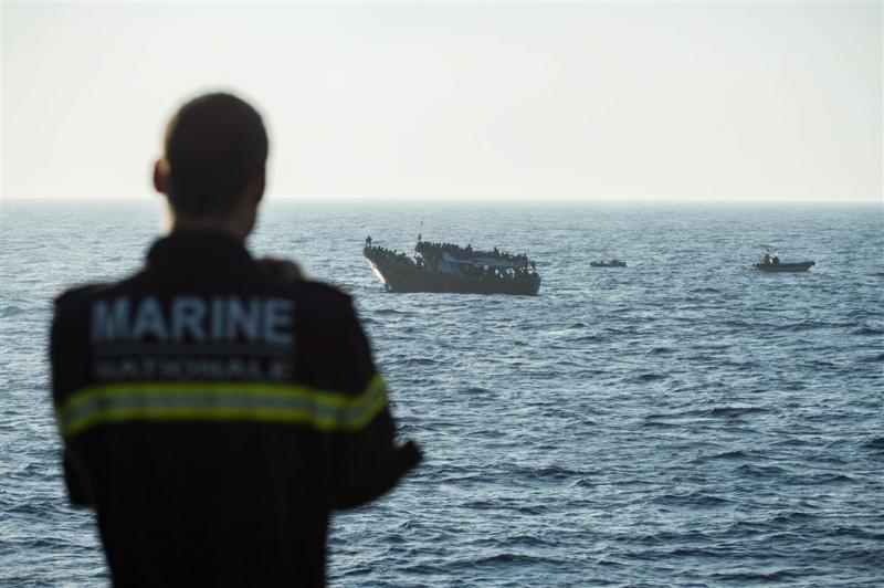 Italiaanse marine redt duizenden bij Libië