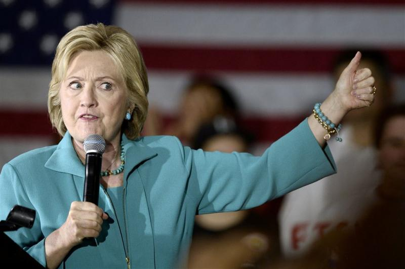 Inspecteur berispt Clinton om e-mailgedrag