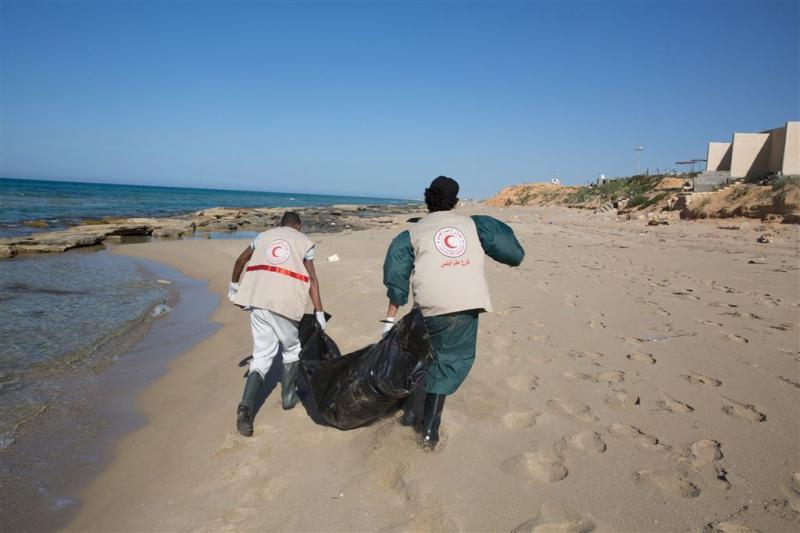 Rode Kruis: 85 lichamen aangespoeld in Libië