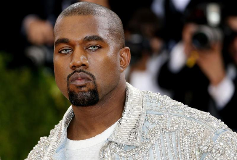 Surprise-optreden Kanye West leidt tot chaos