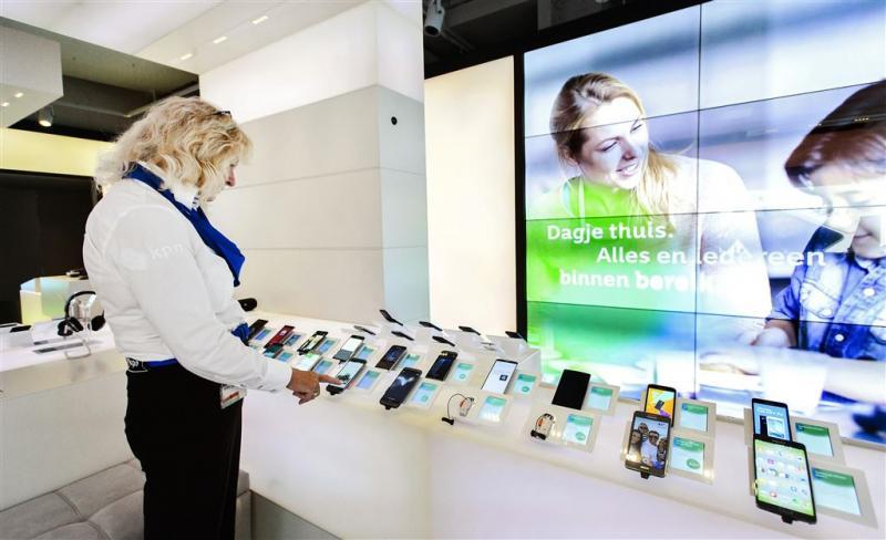 'KPN groeit in krimpende mobiele markt'