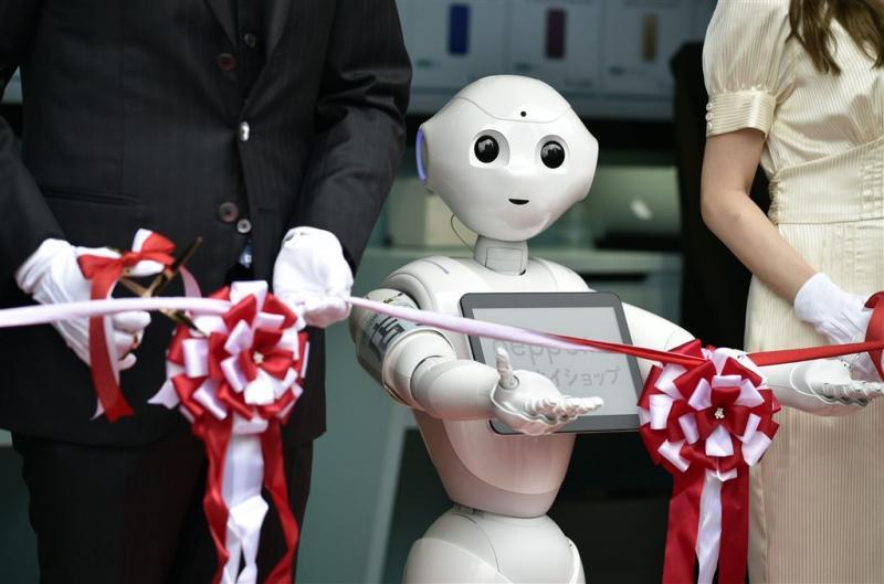 Robots ontvangen ziekenhuispatiënten