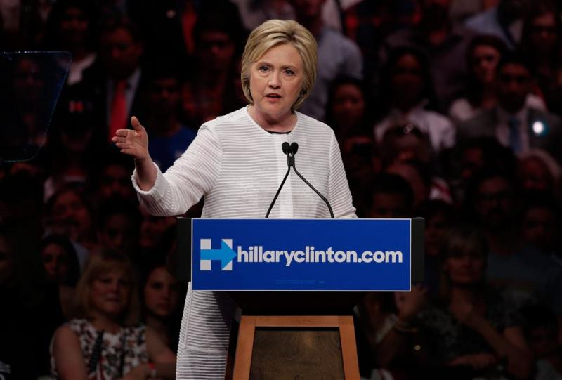 Clinton steekt homo's hart onder de riem