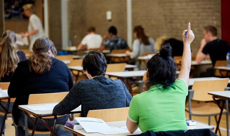 Meer scholieren 'stapelen' opleiding