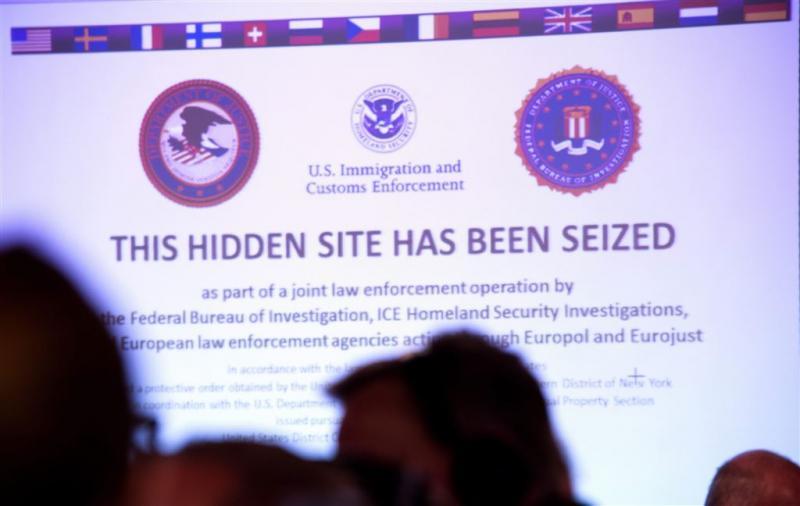 Drie mannen gepakt voor dealen op dark web