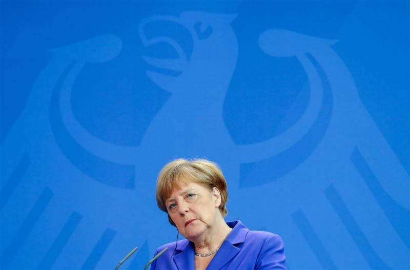 Merkel: meer uitgeven aan defensie