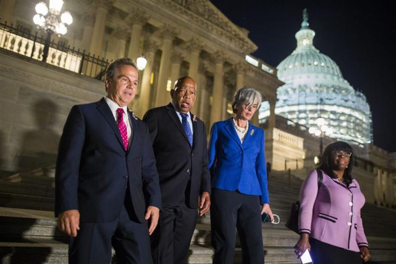 Democraten beëindigen zitprotest in Congres