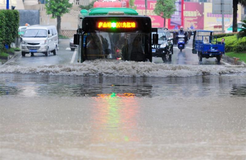 Noodweer eist 78 levens in oosten China