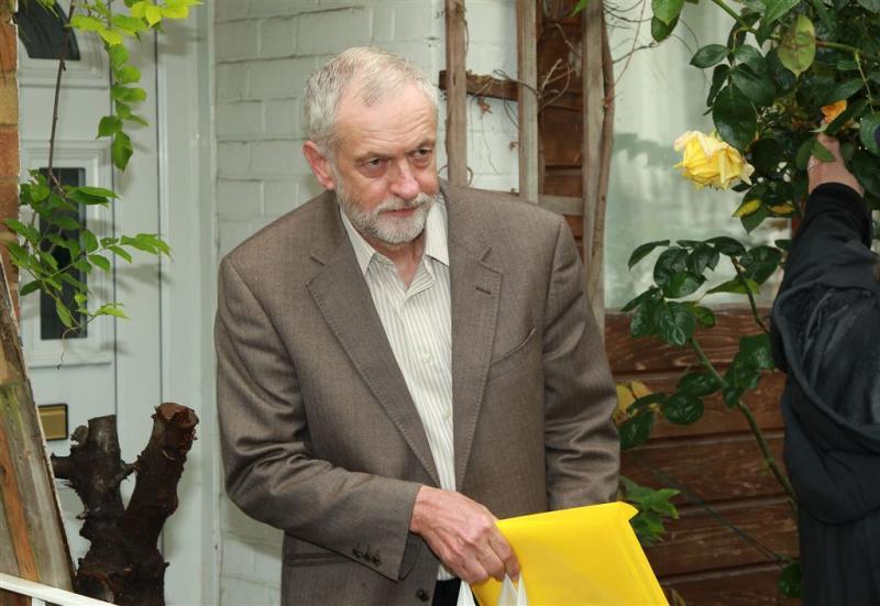 Corbyn negeert motie van wantrouwen