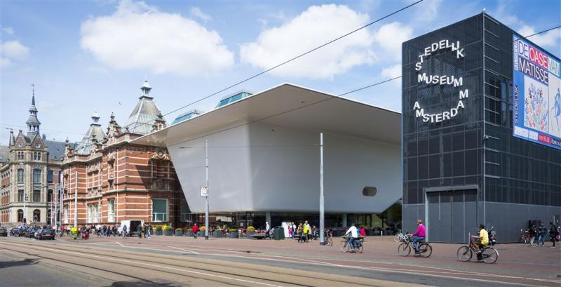 Gift van 600 moderne werken voor Stedelijk