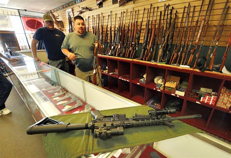 Winkel verloot geweer voor Orlando