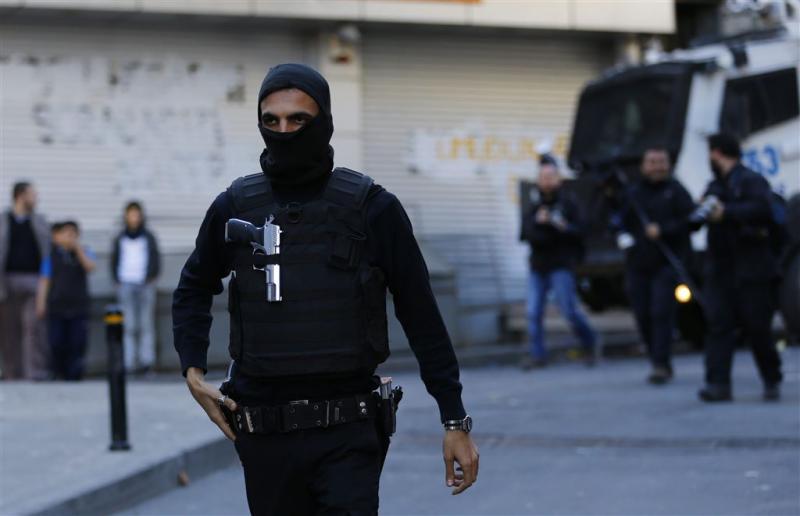 Turkse politie doet invallen in Istanbul