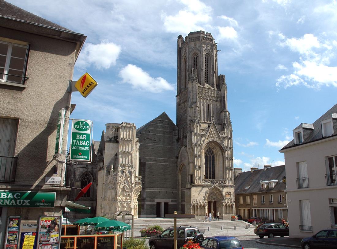 De kerk in Saint-Lô (Foto: WikiCommons)