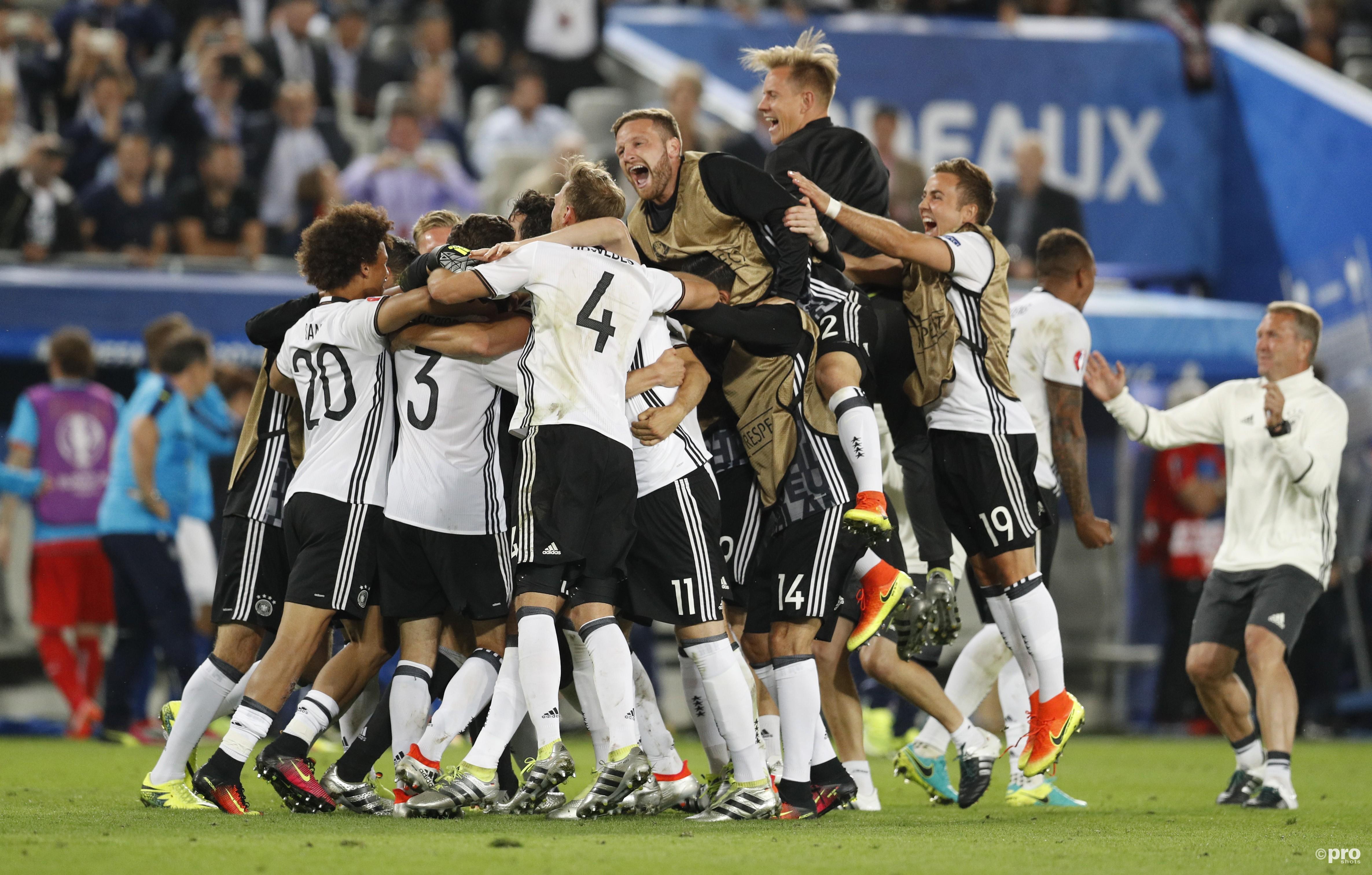 Duitsland viert feest na de strafschoppen. (PRO SHOTS/Action Images)