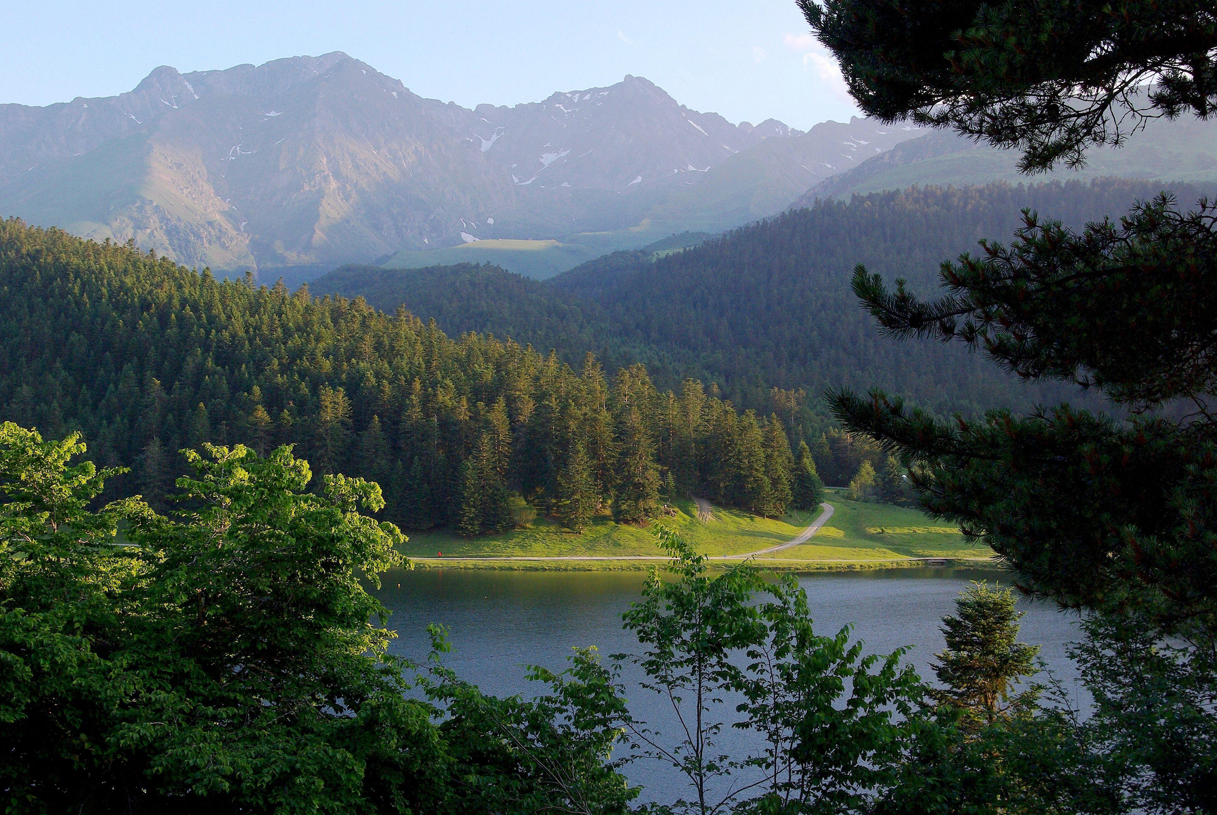 Het Lac de Payolle, waar ergens in de buurt gefinished wordt (Foto: WikiCommons)