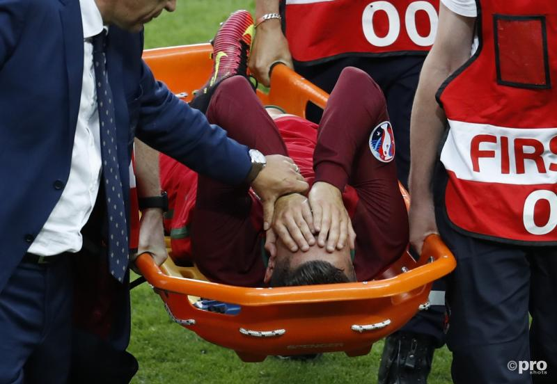 Ronaldo werd na 26 minuten gewisseld door een knieblessure - Pro Shots/Action Images