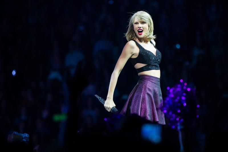Taylor Swift verrast zieke kinderen
