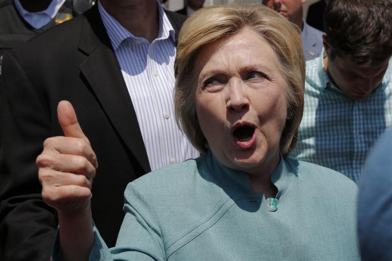Republikeinen verdenken Clinton van meineed
