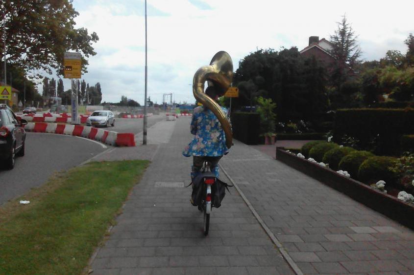 Is deze fietser nu helemaal betoeterd?