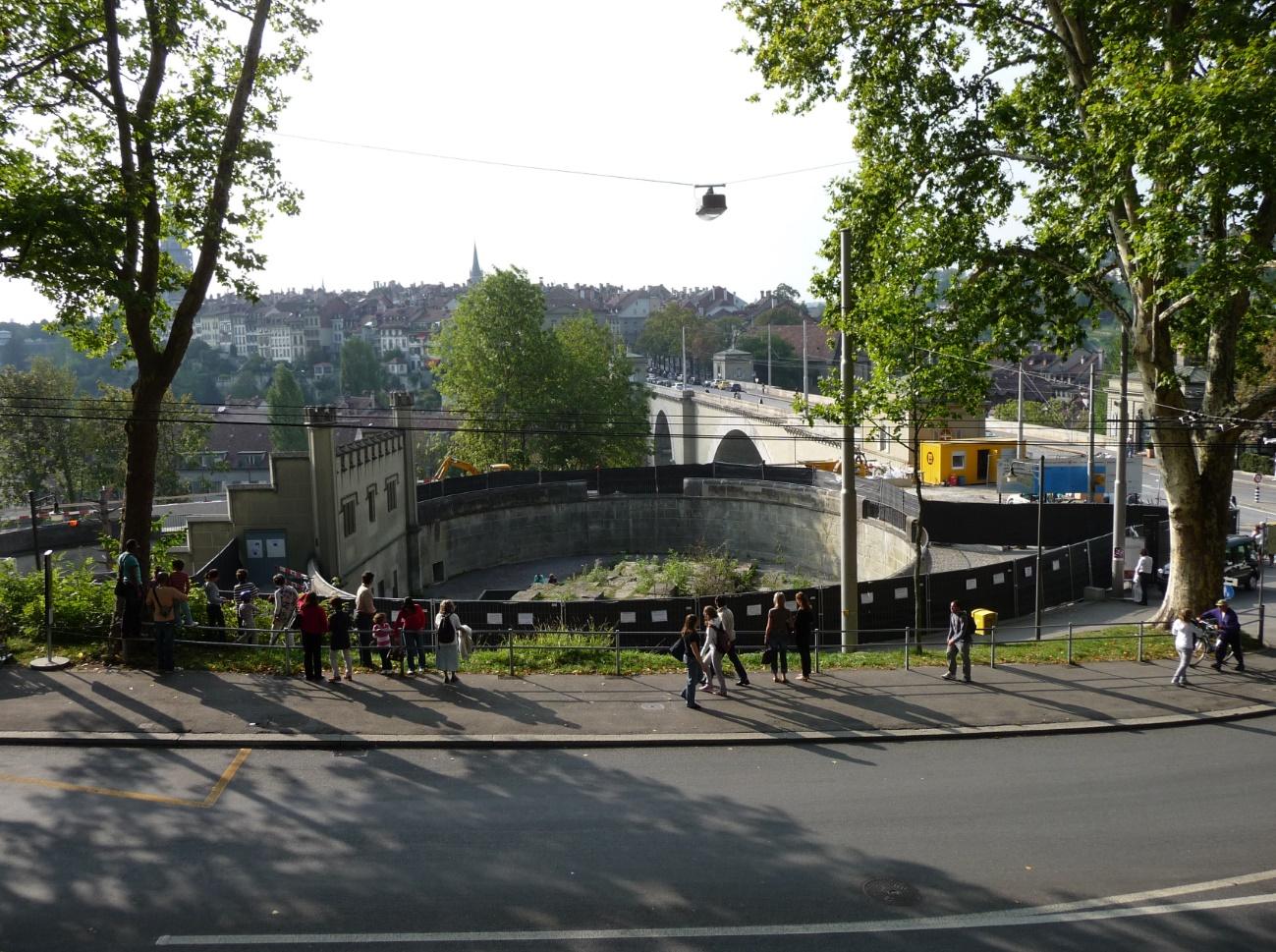 De Bärengraben in hartje Bern (Foto: WikiCommons)