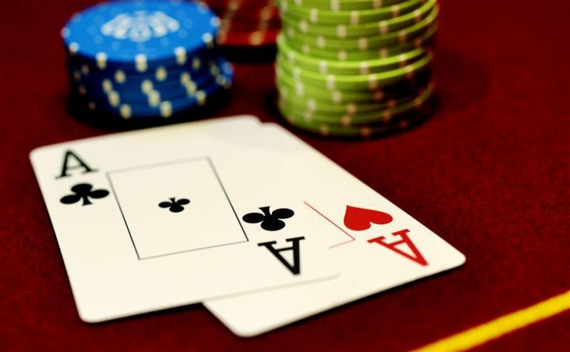 Denksportclub blijkt illegaal pokerhol