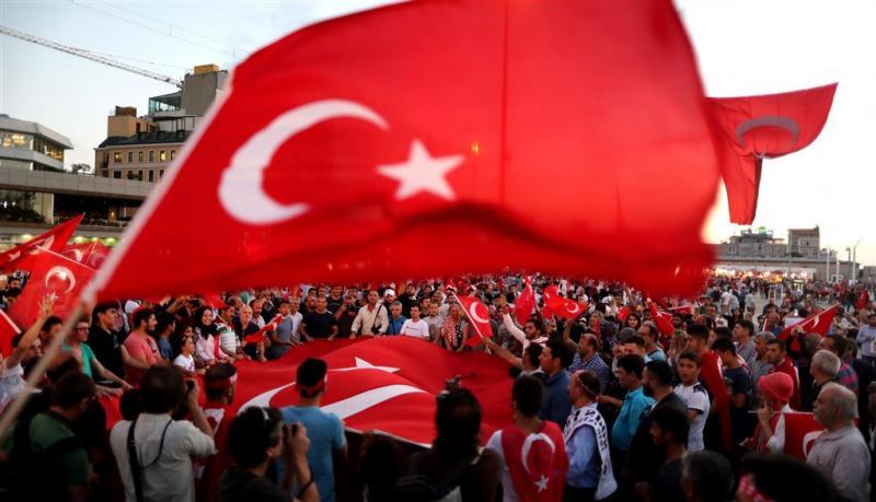 Turkije ontslaat 900 politieagenten Ankara
