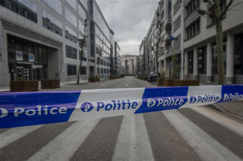 'IS claimt kapmesaanval Charleroi'