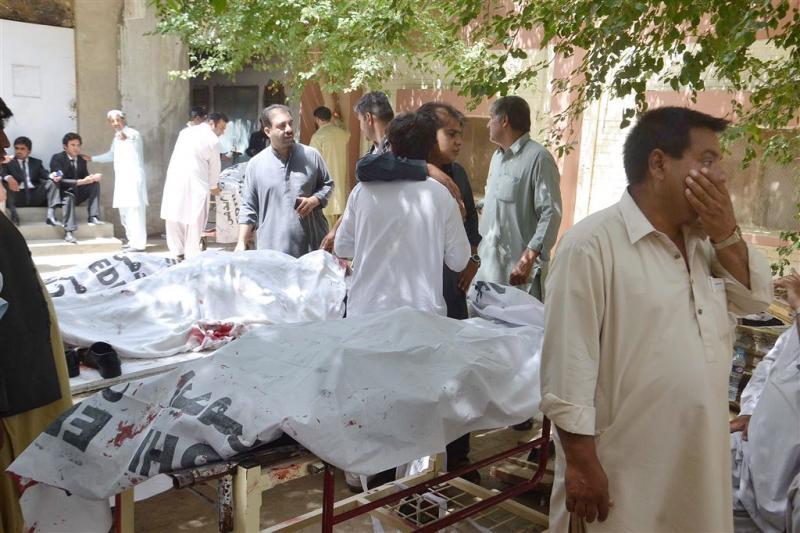 Tientallen doden bij aanslag Pakistan
