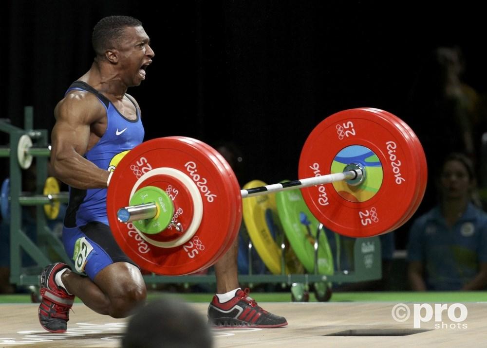 Figueroa uitzinnig van vreugde na het behalen van olympisch goud (PROSHOTS/Action Images)