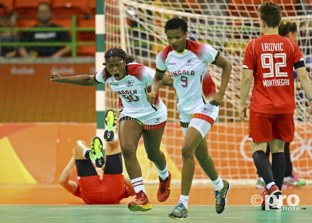 Met zeven treffers was Isabel Guialo (90) de grote vrouw van de Angolese ploeg (PROSHOTS/Action Images)