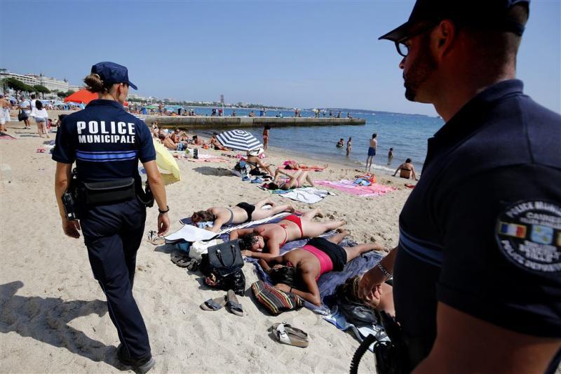 Boerkini verboden op het strand van Cannes