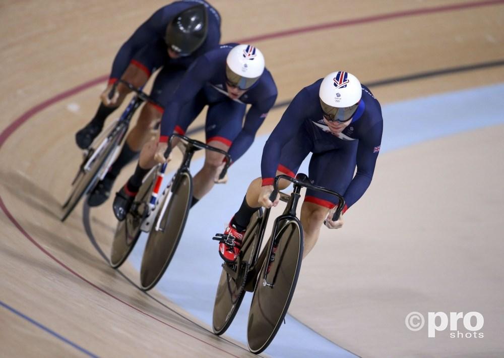 De Britse ploeg op weg naar het goud op de teamsprint (PROSHOTS/Action Images)