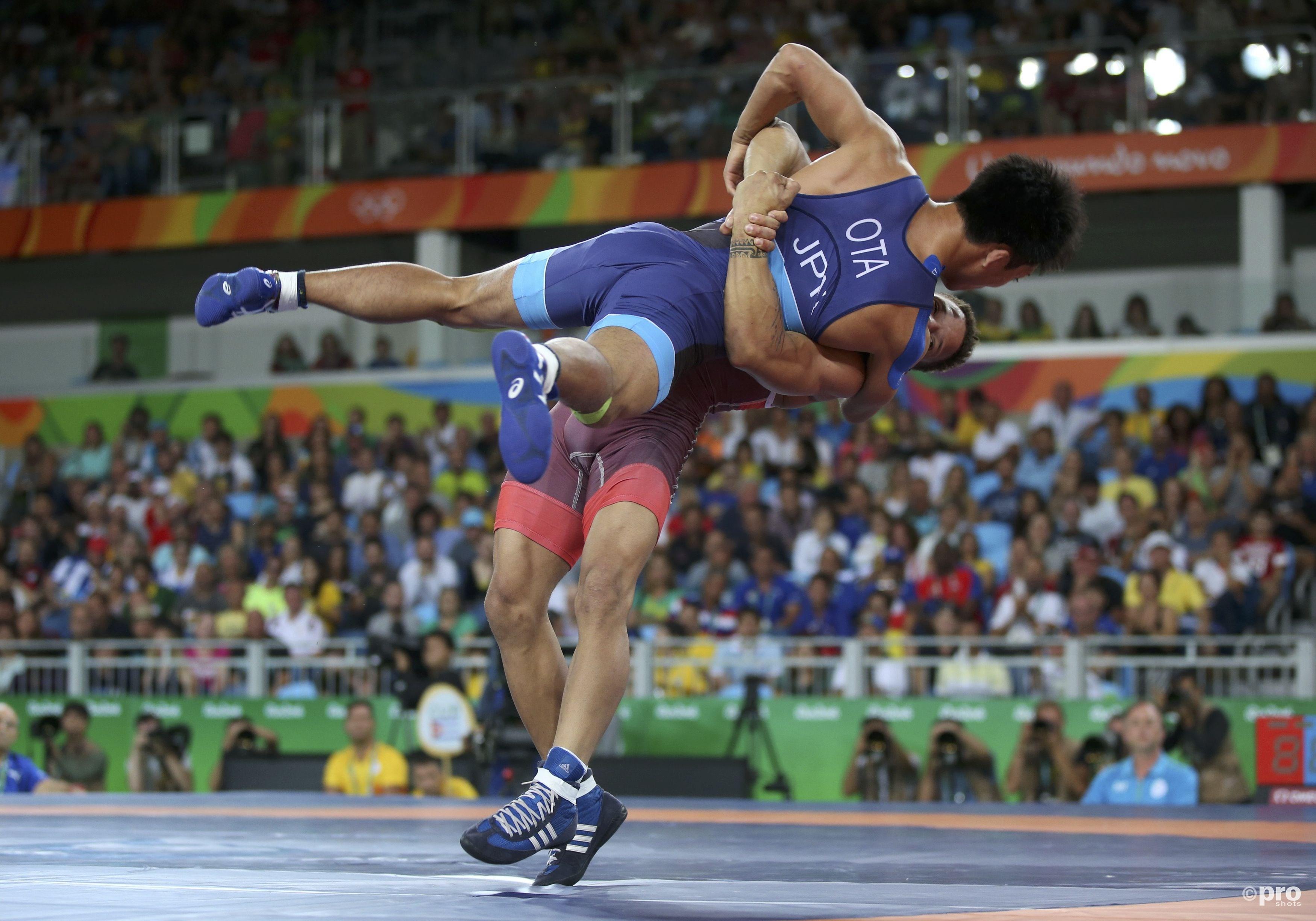 Borrero zet een grote worp in tegen Ota (PROSHOTS/Action Images)