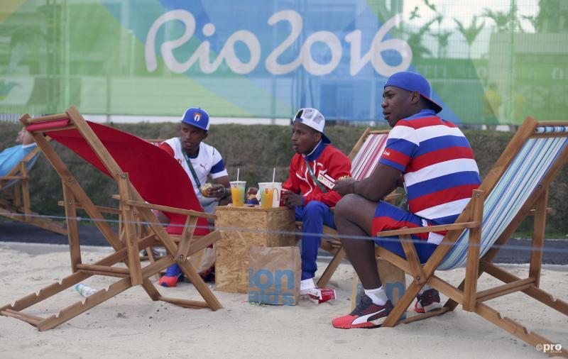 Ook deze Cubaanse atleten nemen het er even van bij de McDonald's (Pro Shots / Action Images)