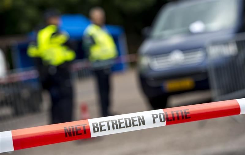 Politie vindt dode en gewonde in Oudwoude