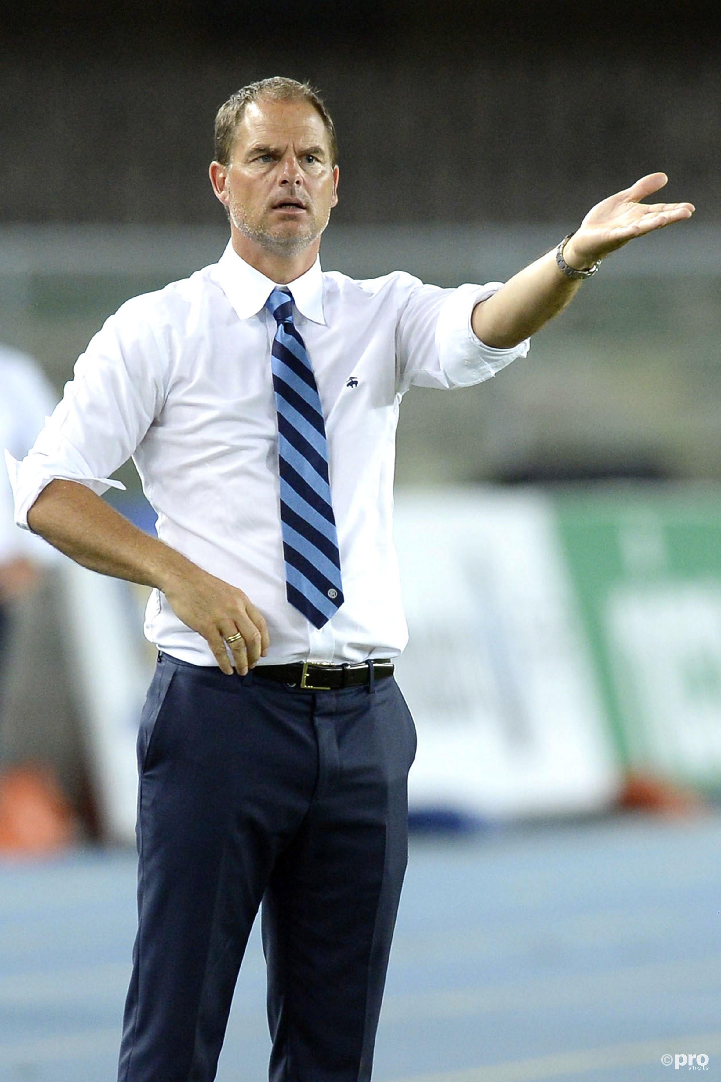 Frank de Boer geeft aanwijzingen. (PRO SHOTS/Insidefoto)