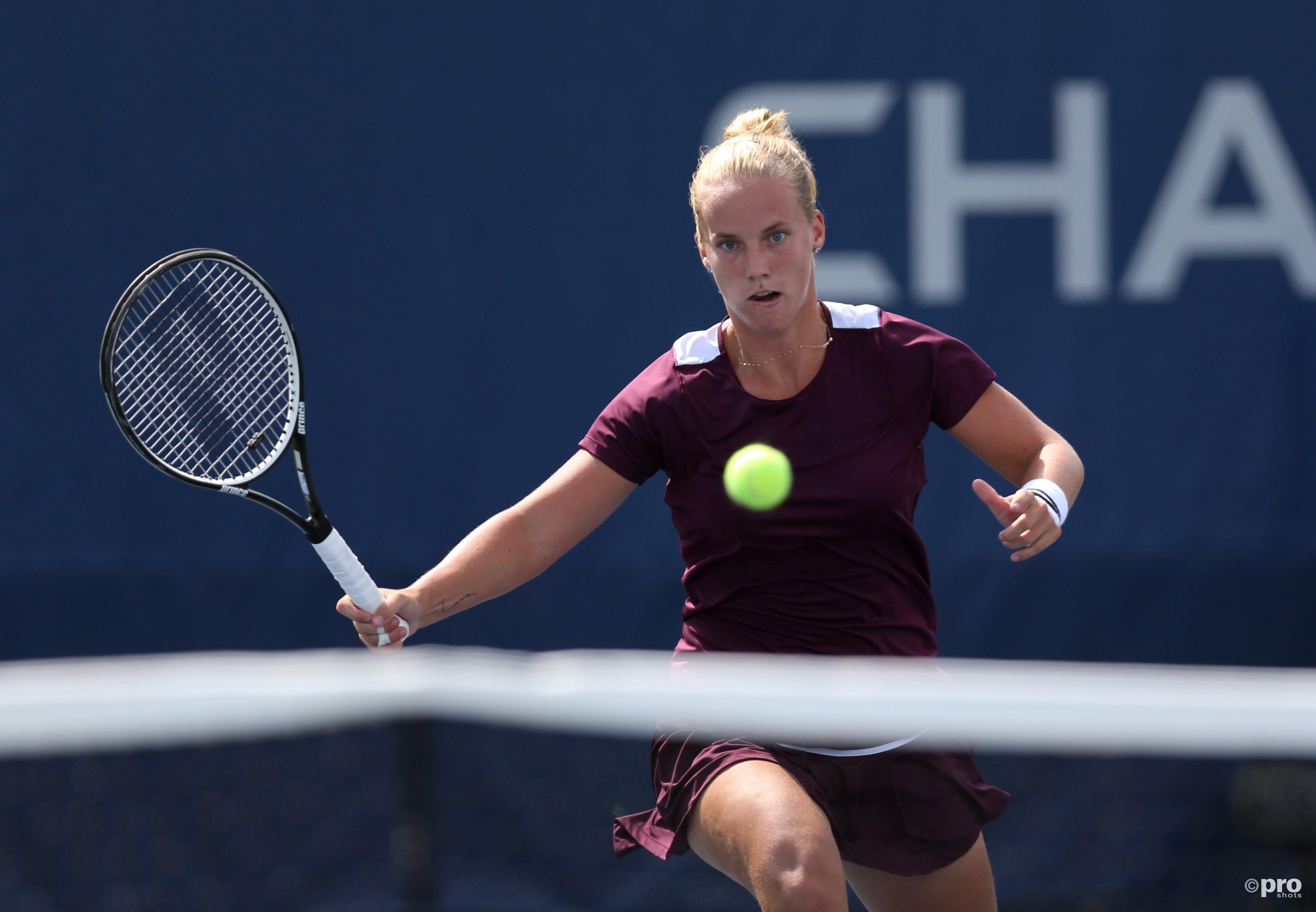Richel Hogenkamp in twee sets te sterk voor Heather Watson. (PRO SHOTS/Action Images)
