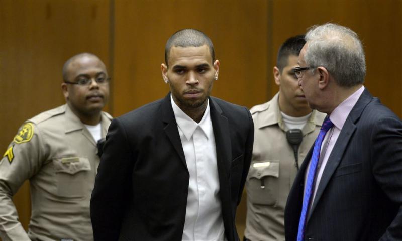Sterren nemen het op voor Chris Brown