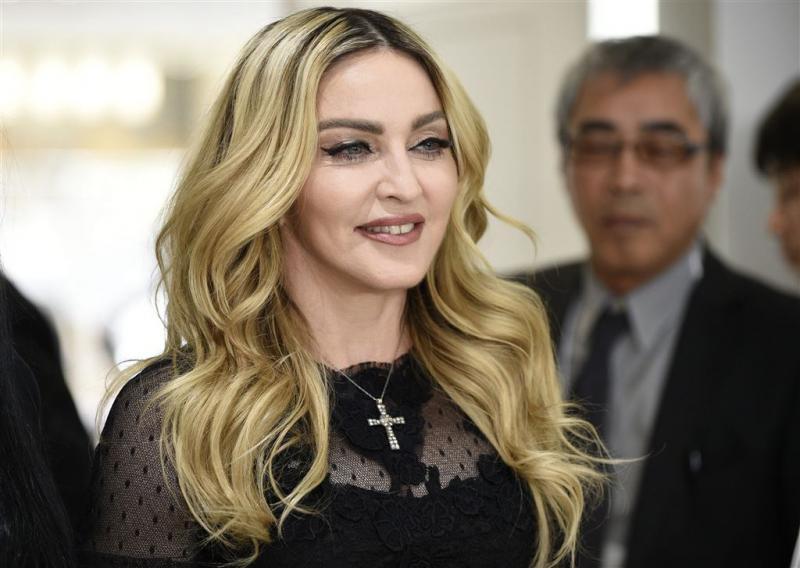 Madonna spreekt steun voor Clinton uit
