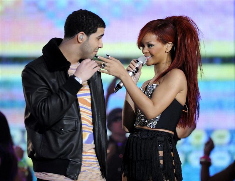 Drake neemt zelfde tatoeage als Rihanna
