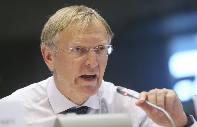 Ex-EU-commissaris hekelt toezicht dieselauto