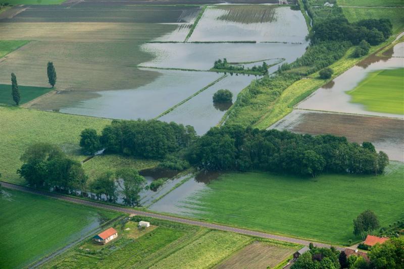 Agrariërs dekken zich vaker in tegen weer