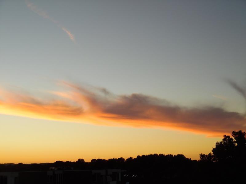Avondzon kleurt wolken  (Foto: Papabear)